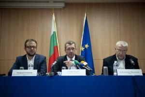 Светослав Малинов по време на мисия на ЕП за проблема с бежанците в България